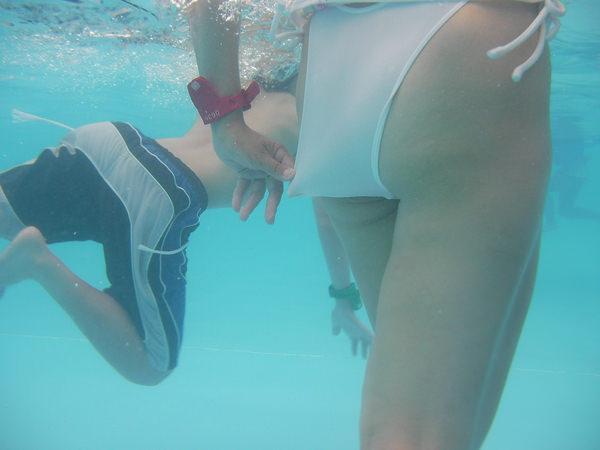 水中で撮った水着 29