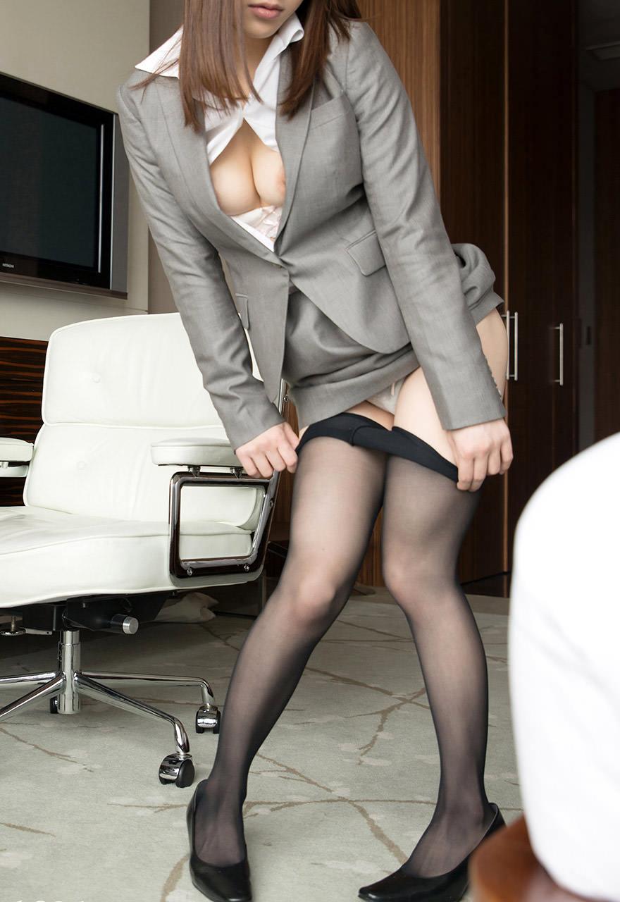 スーツ着た巨乳 7