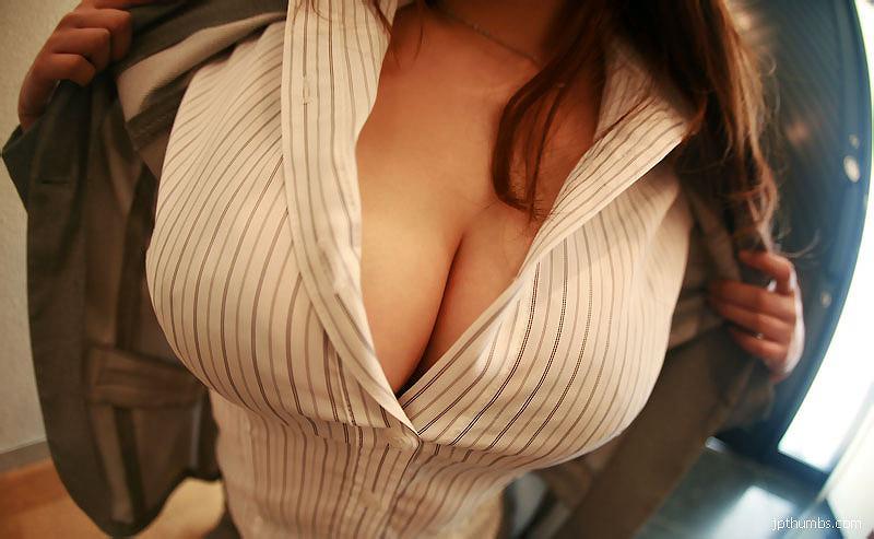 スーツ着た巨乳 17