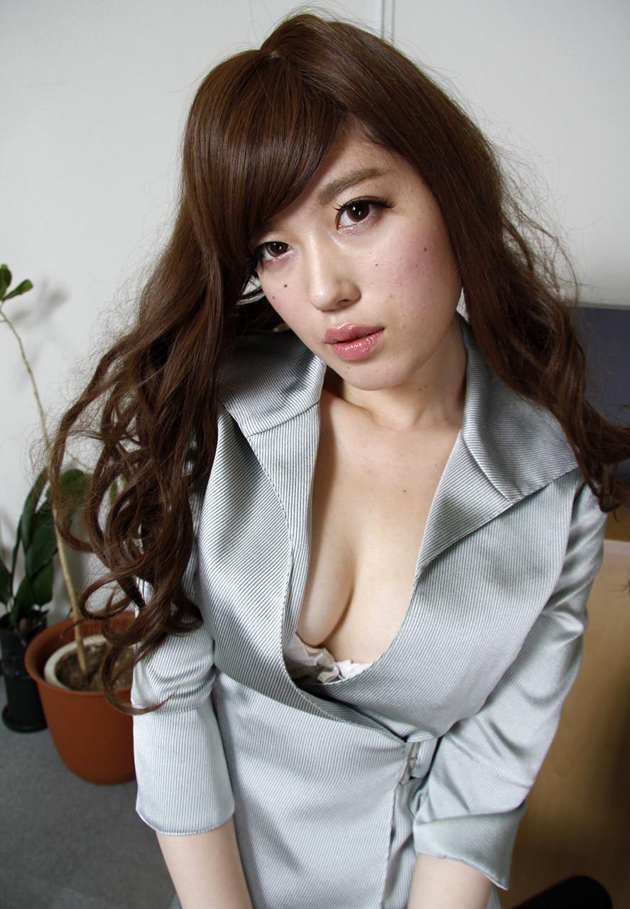 スーツ着た巨乳 18