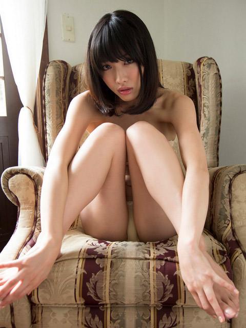 美少女の体育座り