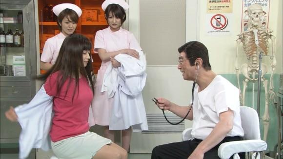 平愛梨がコント番組で水着姿になって爆乳を晒してるwwww