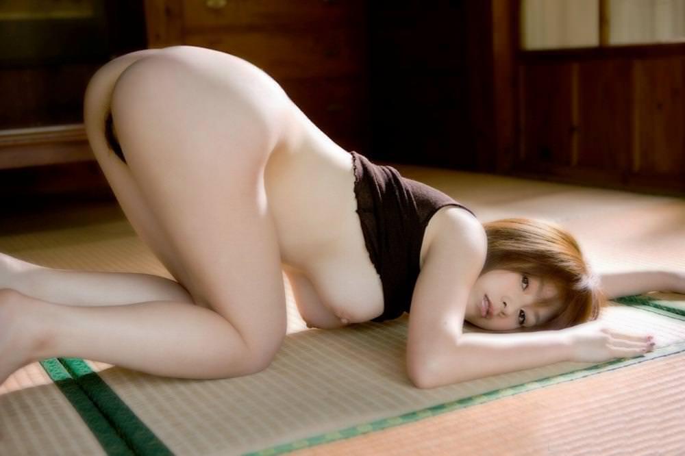 畳の上で撮られたヌード 1