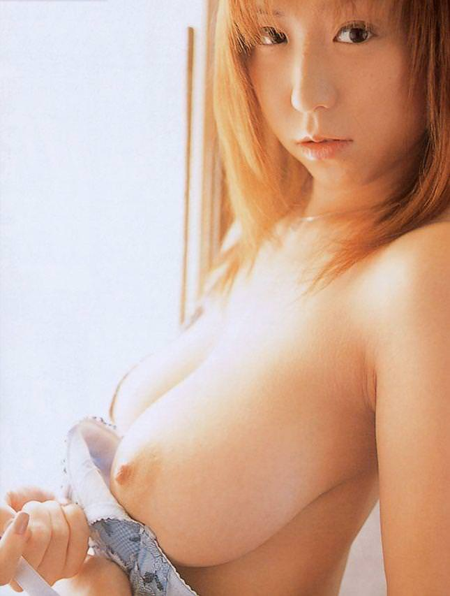 乳首出してる横乳 25
