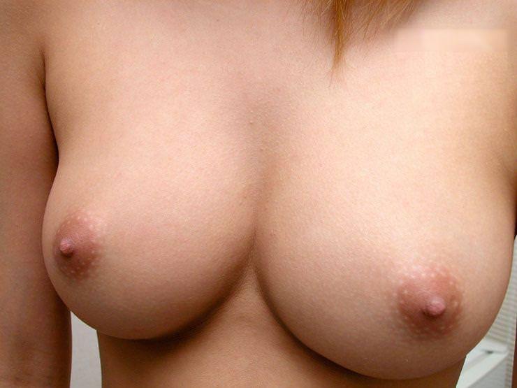 乳首の接写 6