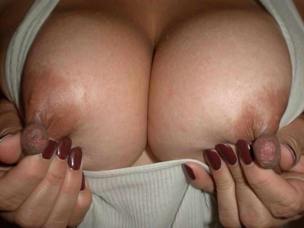 乳首つまみ 30