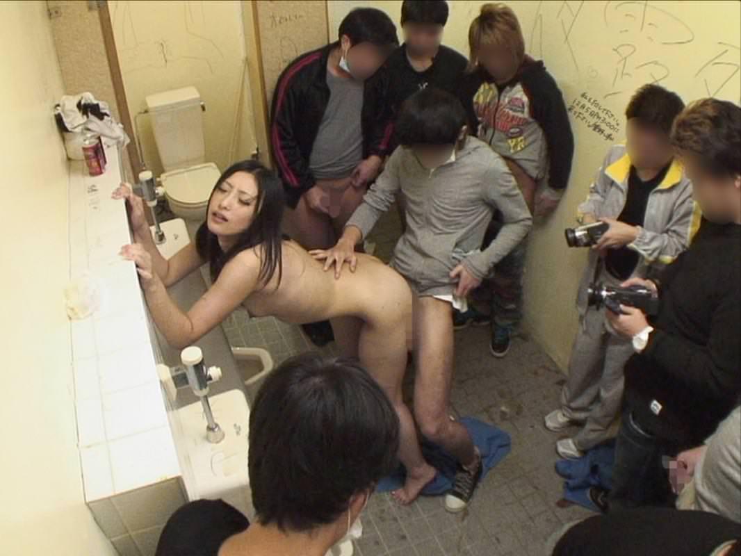 トイレでセックス
