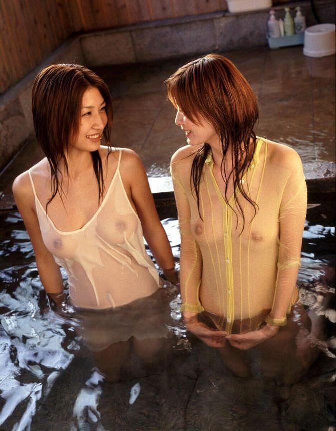 着衣濡れ濡れ透け透け 16