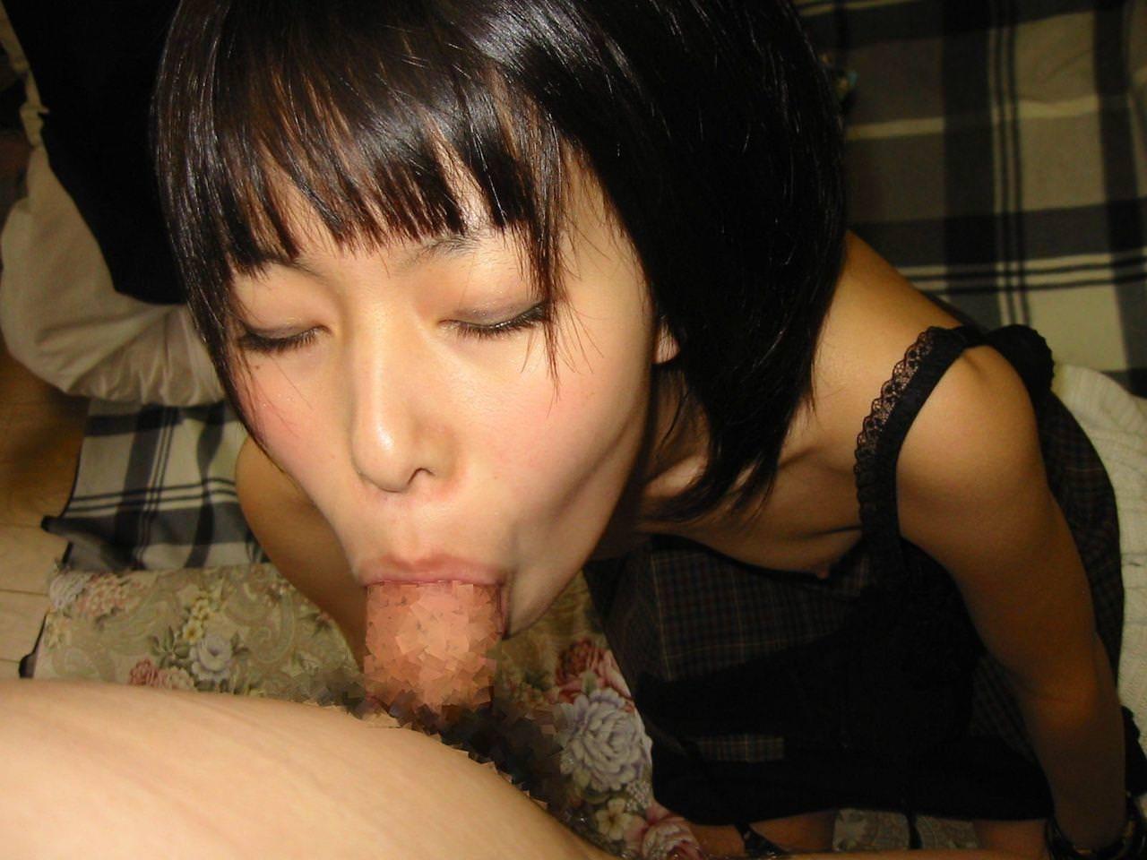 清純な女の子のウブなフェラ顔 10