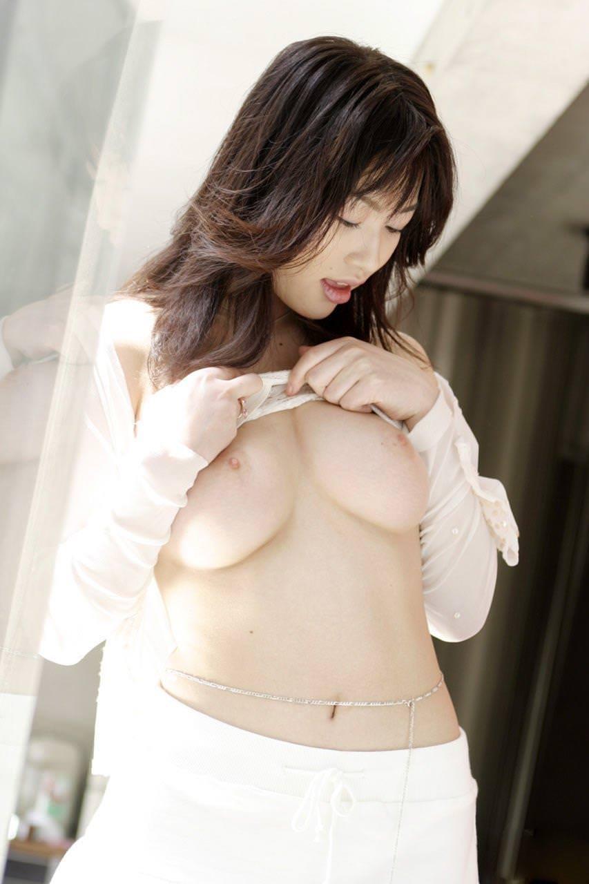 薄ピンク乳首 6