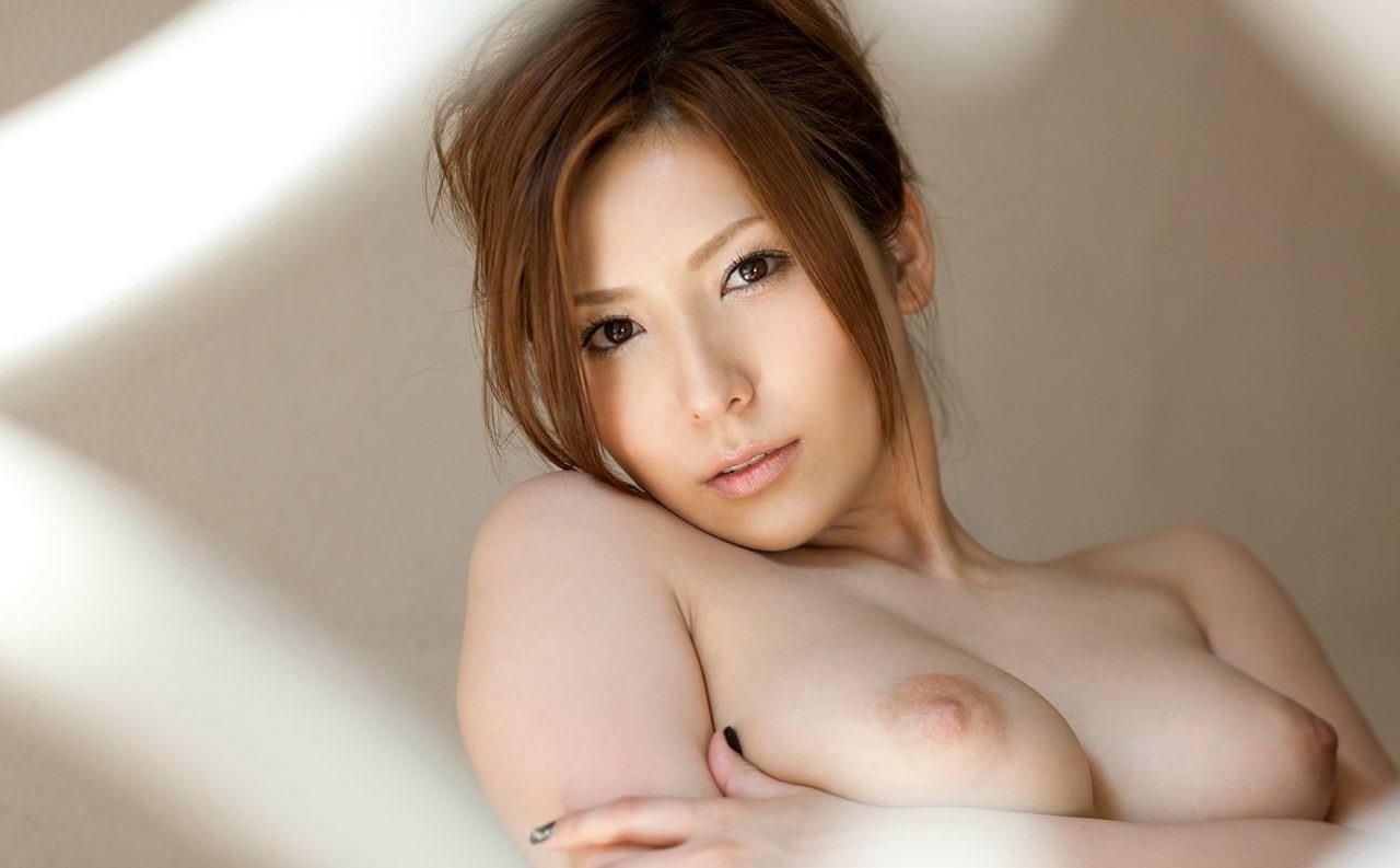 薄ピンク乳首 12