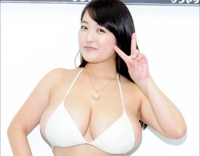引くレベルの爆乳・柳瀬早紀さんがセクシーすぎて日本を飛び出しそうな勢い