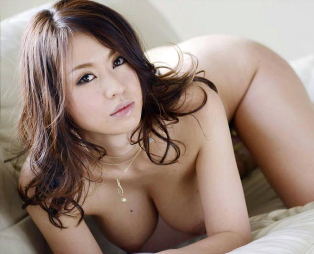 よつんばい 真正面 全裸 綺麗なお姉さんの四つん這いのおっぱい 10