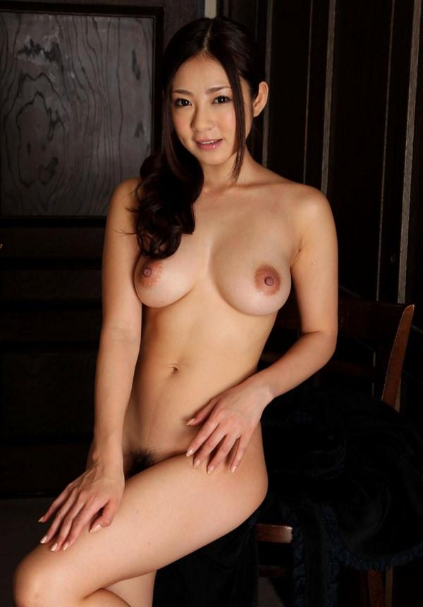 巨乳美少女の全裸
