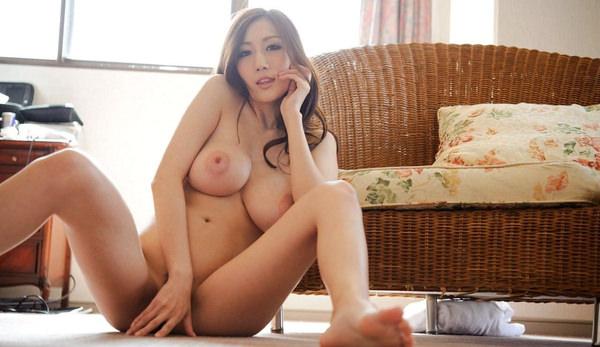 巨乳美少女の全裸 16