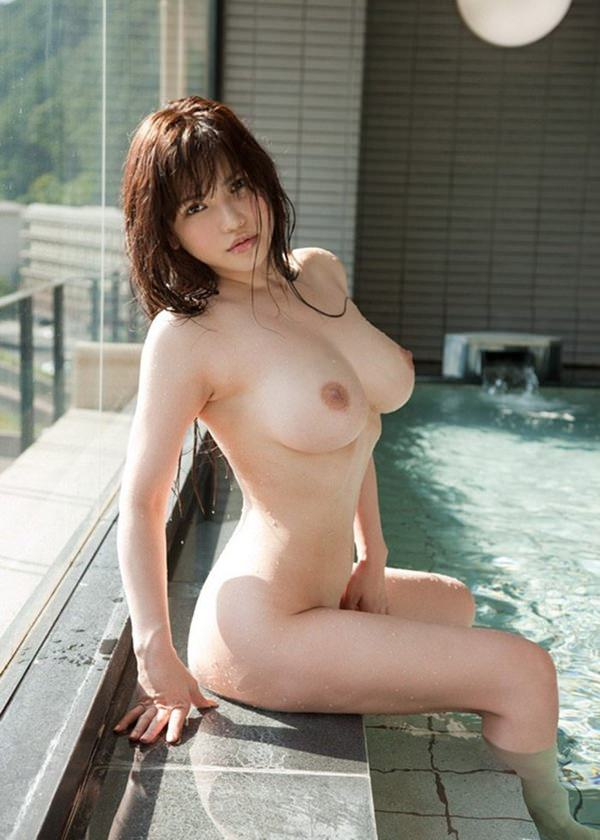 巨乳美少女の全裸 22