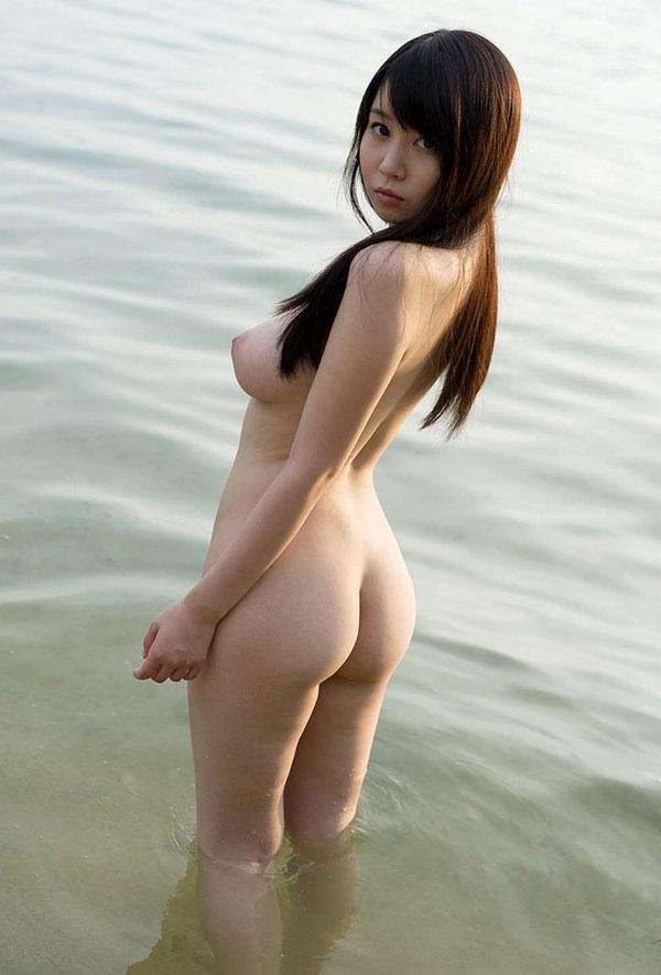 美しい全裸の後姿 10