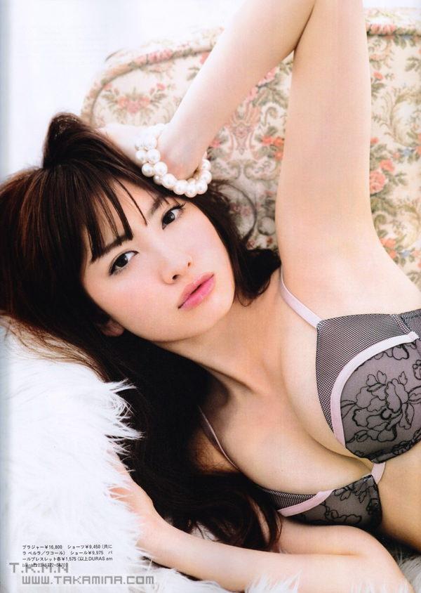 【画像】AKB小嶋陽菜がDカップ胸の過激な下着姿wwwwww(水着画像あり)