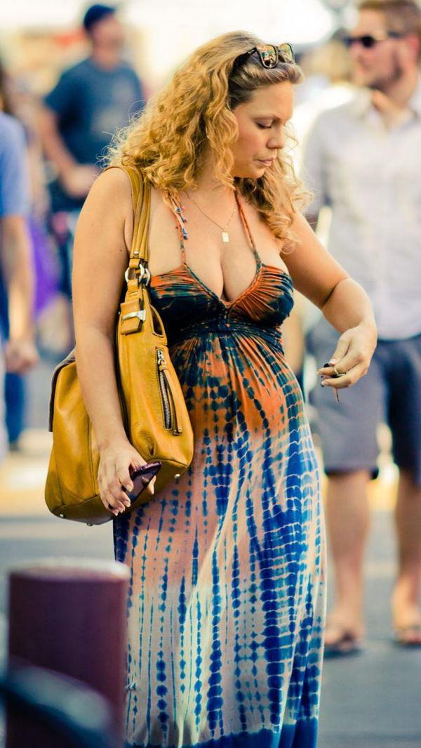街撮りの外国人素人の着衣巨乳 22