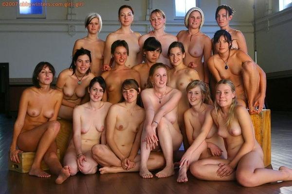 複数の外国人美女のヌード 4
