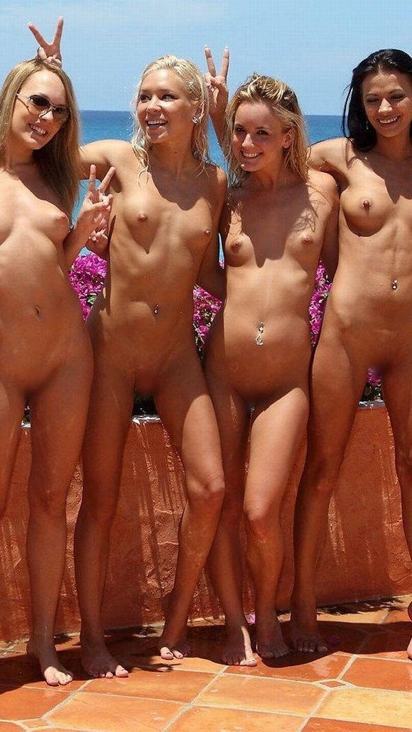 複数の外国人美女のヌード 25