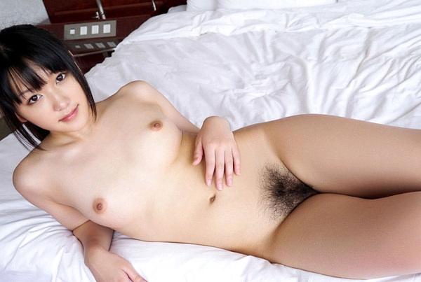 貧乳美少女の寝ころびヌード 7