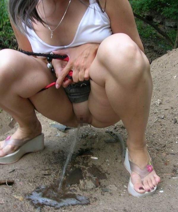 女の子の放尿 5