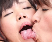 【閲覧注意】男女よりも濃厚!?レズビアンキス画像30枚