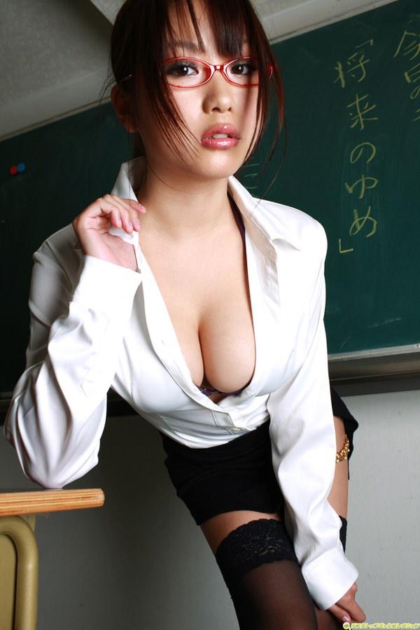 爆乳の女教師 3