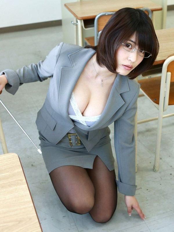爆乳の女教師 10