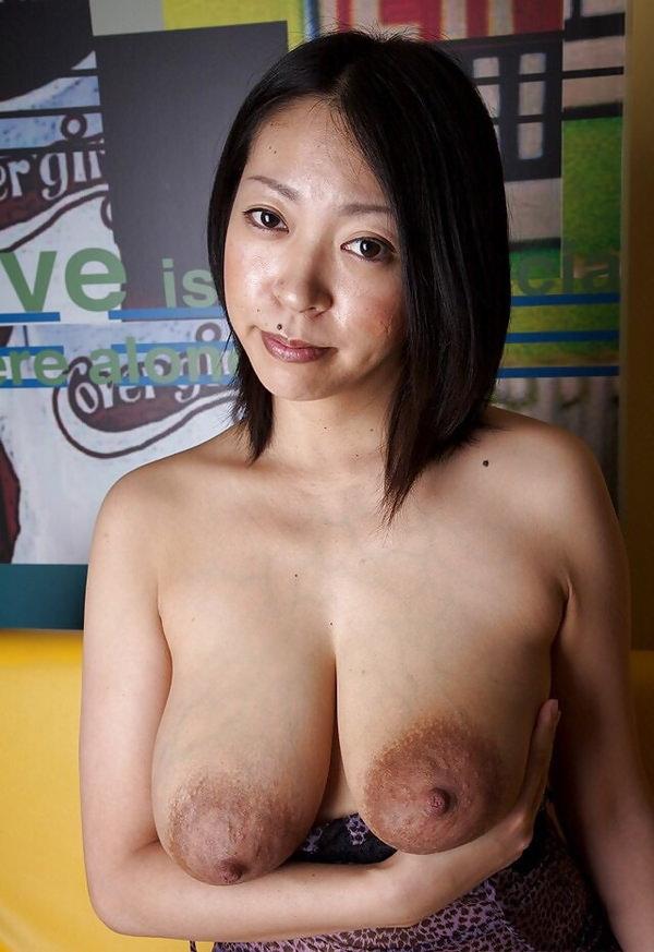 肥大化したデカ乳首 9