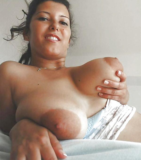 グロいデカ乳輪の外国人女性 12