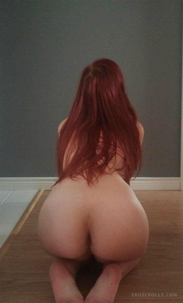 外国人美女の背中ヌード 14