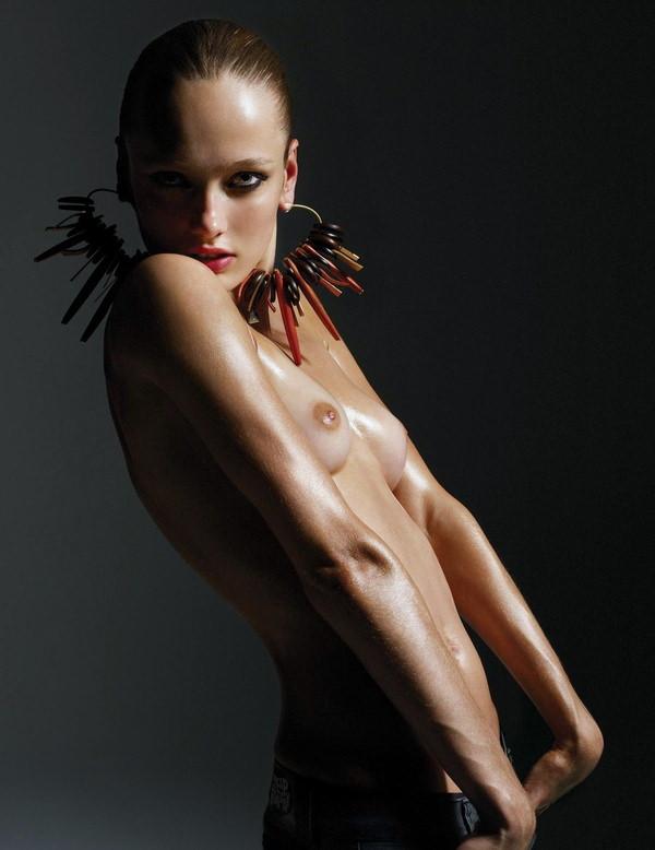 外国人モデルの美しいヌード 10