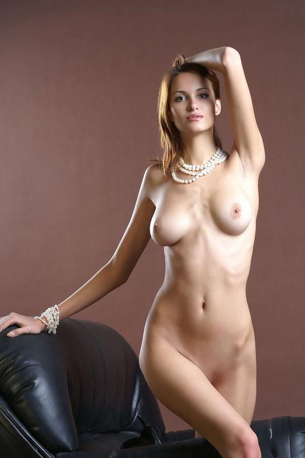 外国人モデルの美しいヌード 13