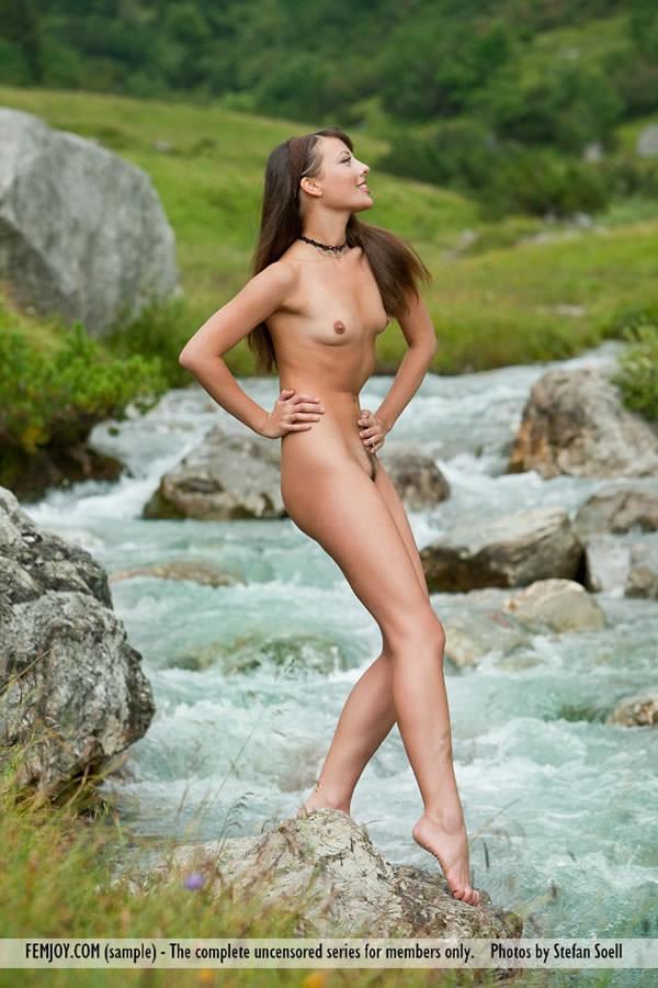 ペタンコ貧乳おっぱいの外国人美少女 11