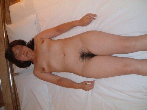 一発やり終わった熟女ババアのセックス事後画像26枚