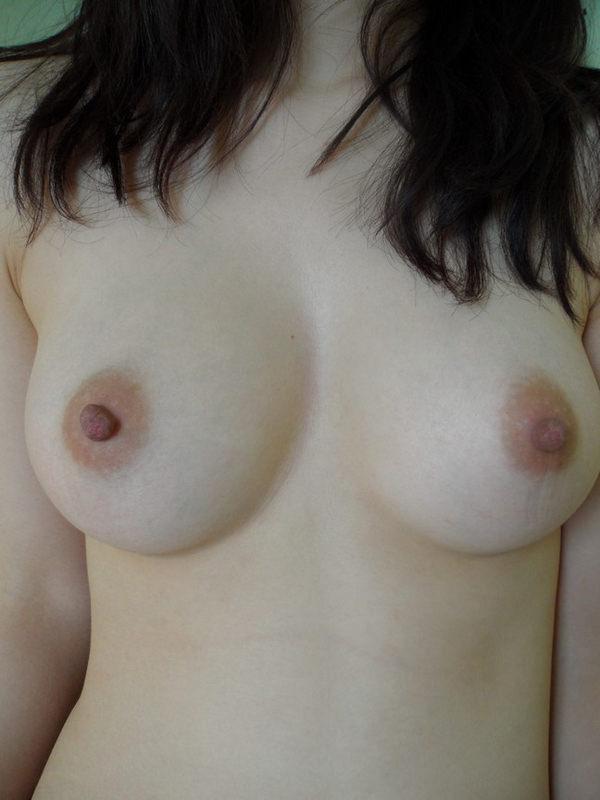 素人の美乳 35