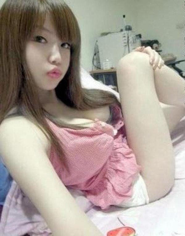 爆乳で激カワの台湾人の女の子 13