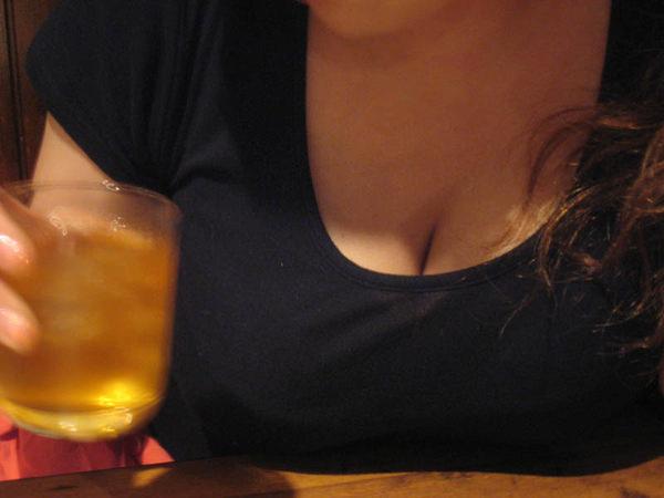 巨乳の乳乗せ 11