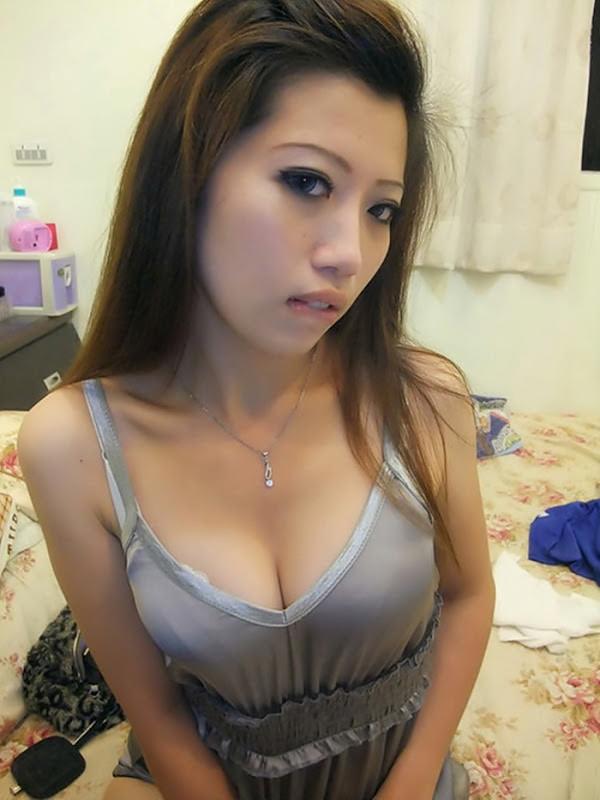 爆乳のアジア美女 11