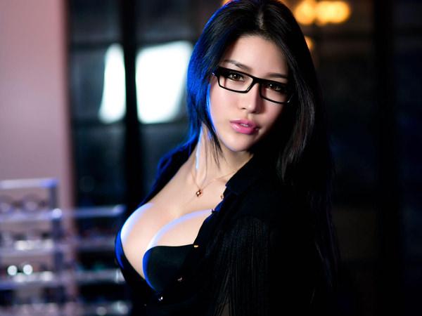 爆乳のアジア美女 26