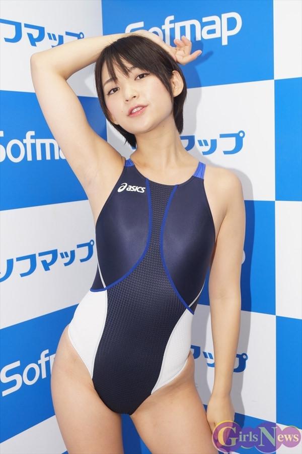 正統派美少女の競泳水着 12