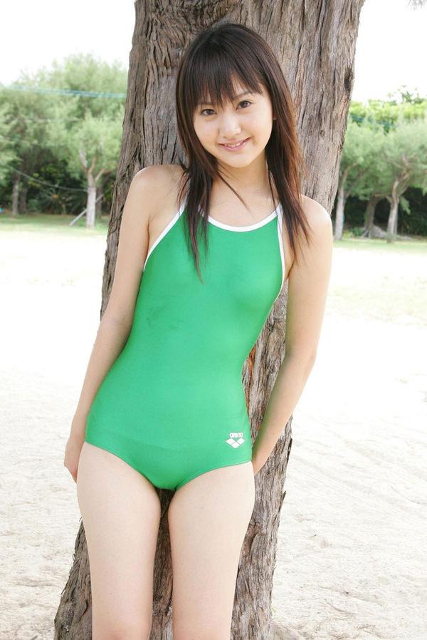 正統派美少女の競泳水着 26