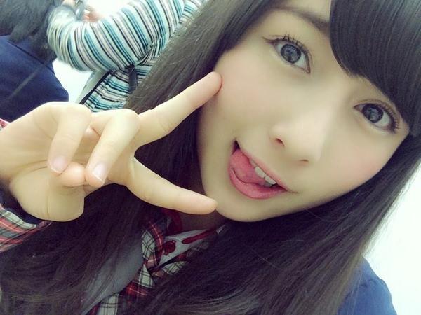 舌出しの美少女 9