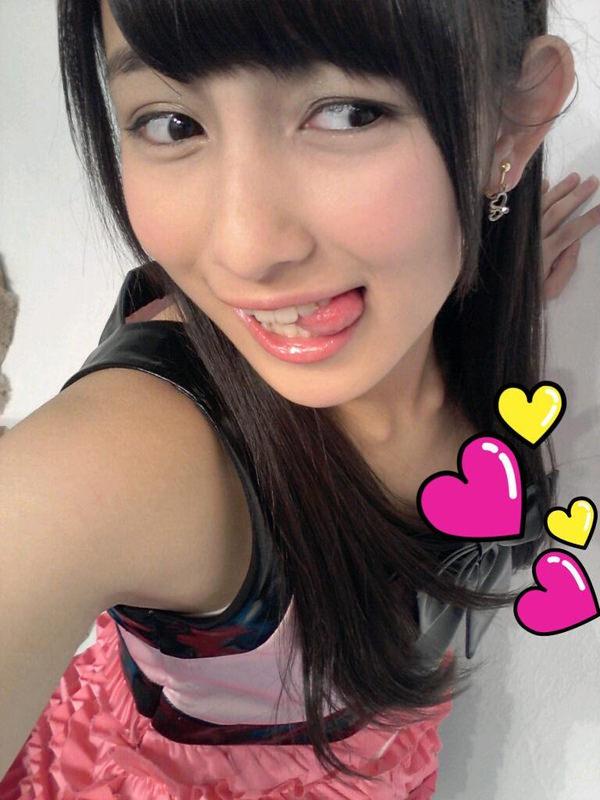 舌出しの美少女 11