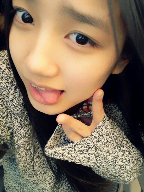 舌出しの美少女 13