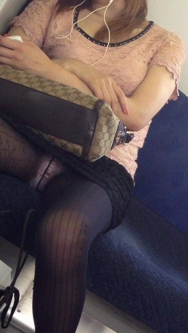 電車内対面パンチラ 35