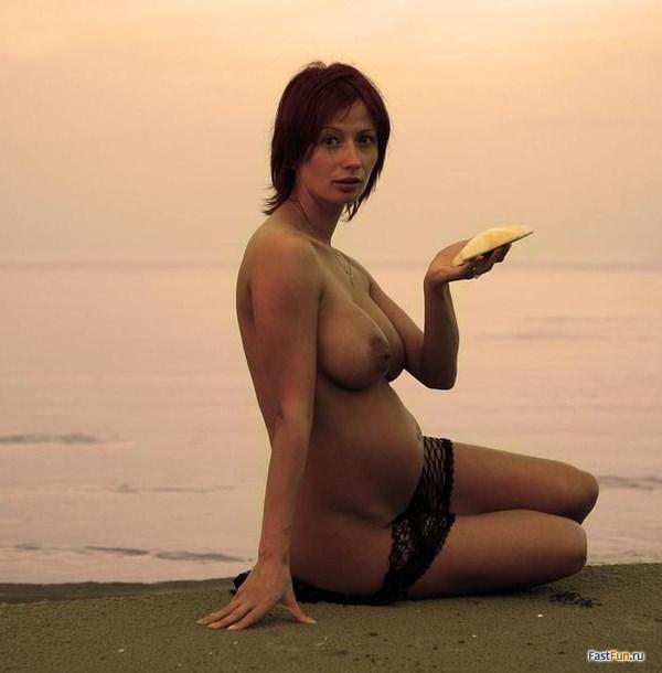 外国人妊婦のマタニティーヌード 24