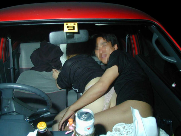 素人のカーセックスを盗撮 12